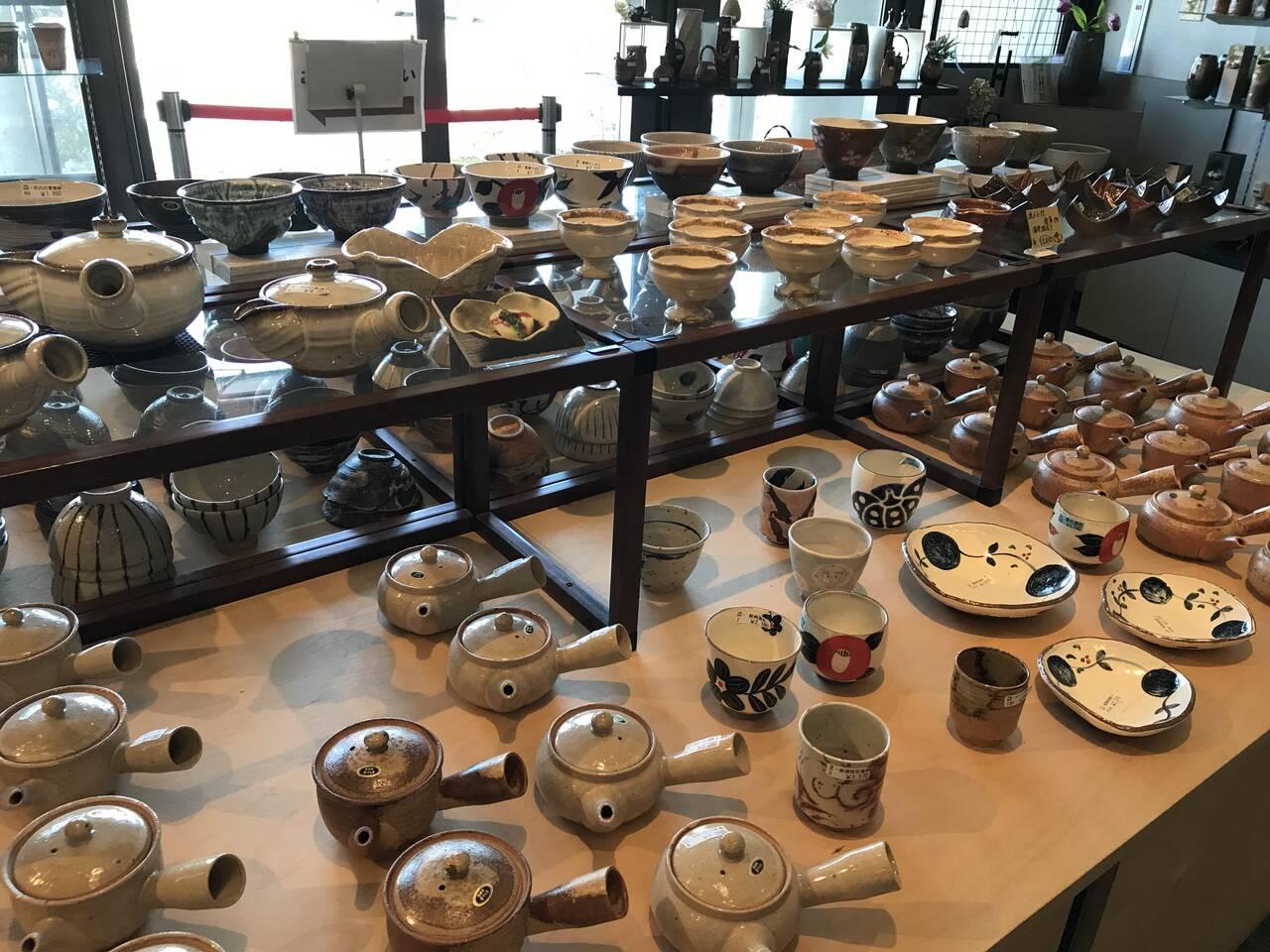 Shigaraki potteries